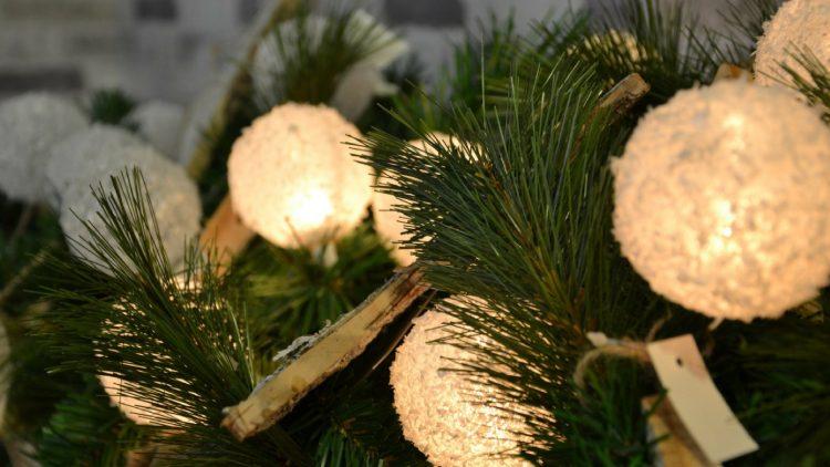 embellish Christmas lights