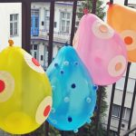 Zsúr-szezon: menő lufis dekorációk