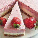 Nyárváró: epres-fehércsokis mousse torta