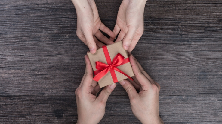 ajándékozás oviban-suliban